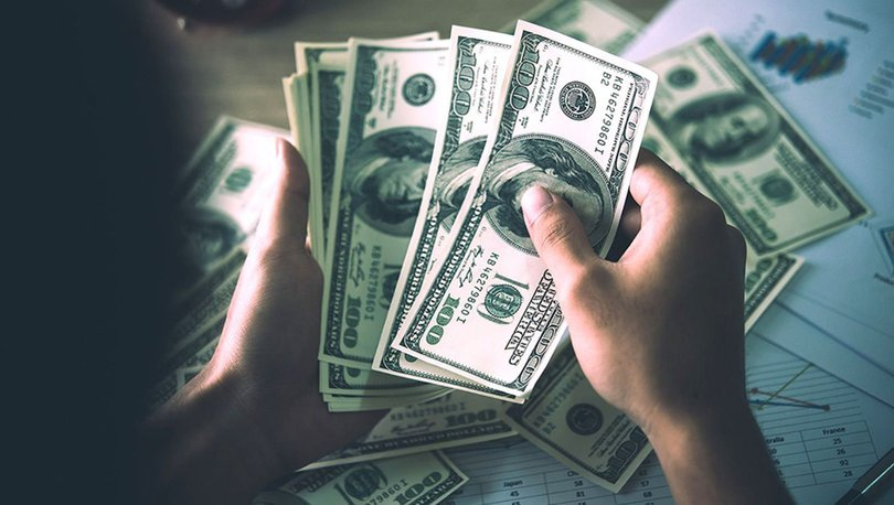 Dolar 5.87 liranın üzerine tırmandı