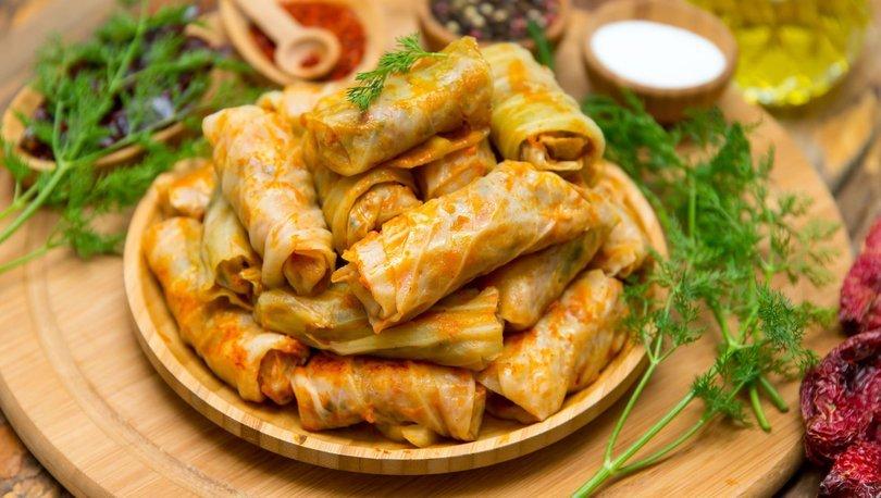 Mardin mutfağı ustasından nar ekşili etli lahana sarması