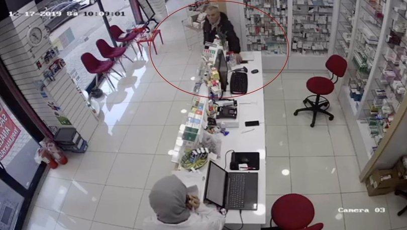 Hırsızlık anı kameraya yansıdı