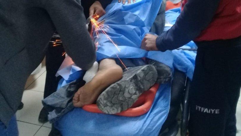İşçinin ayağına çelik kanca saplandı
