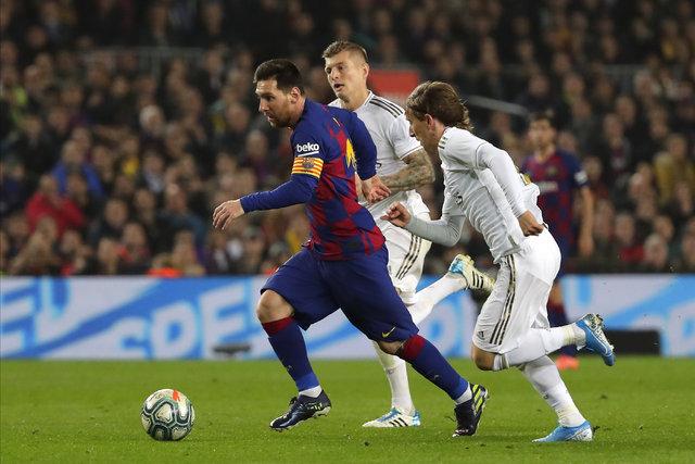 El Clasico'da sahada futbol, sokakta arbede yaşandı! Barcelona Real Madrid maçı
