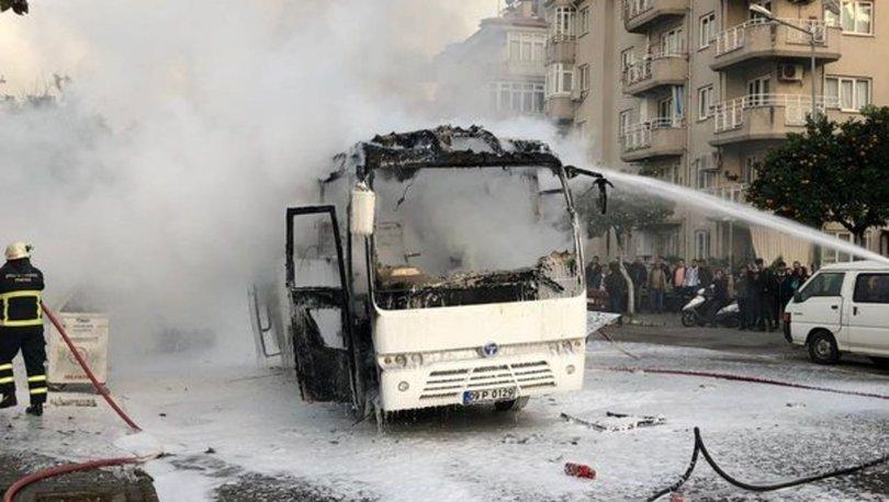 Aydın'da servis otobüsü alev alev yandı