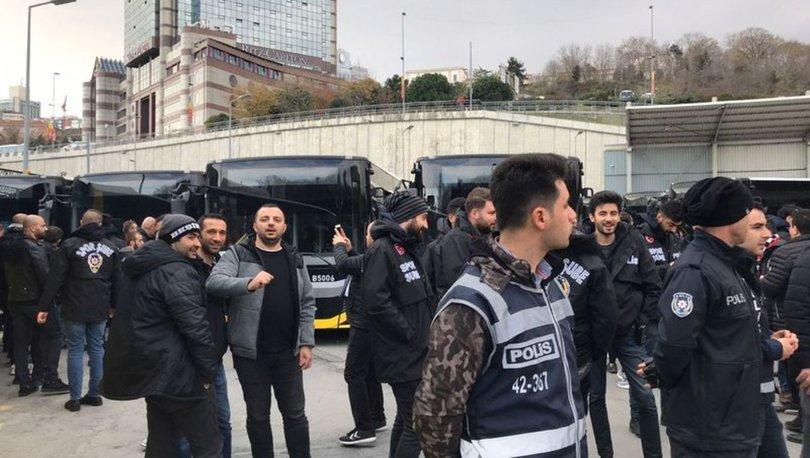 Beşiktaşlı taraftarlar Kadıköy yolunda