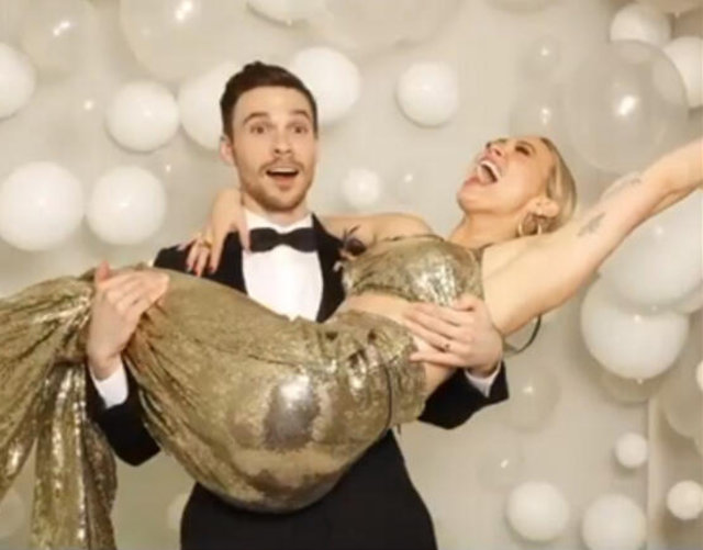 Hilary Duff ile Matthew Koma evlendi - Magazin haberleri