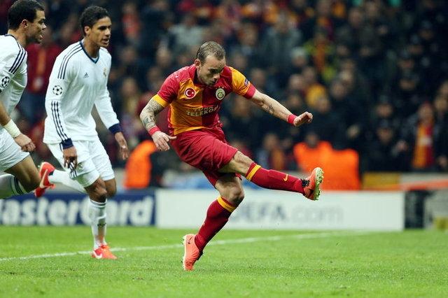 Sneijder'in jübilesinde yıldızlar geçidi! (Türkiye'den kimler var?)
