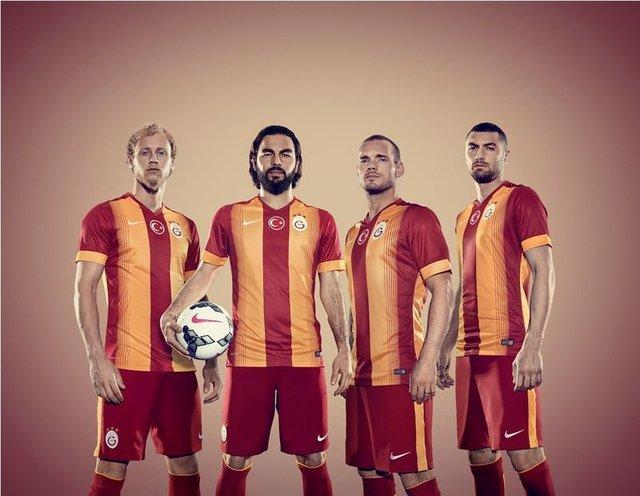 """sneijder burak yılmaz selçuk inan ile ilgili görsel sonucu"""""""
