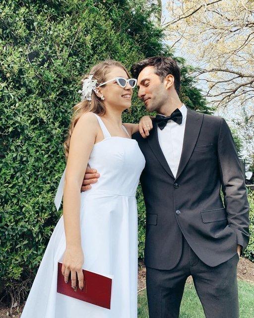 Caner Yıldırım eşi Gamze Erçel ve kızını paylaştı - Magazin haberleri