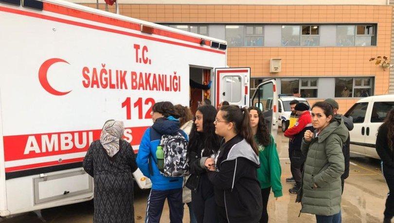 Bursa'da 27 öğrenci ile 1 öğretmen aniden rahatsızlanarak hastaneye kaldırıldı