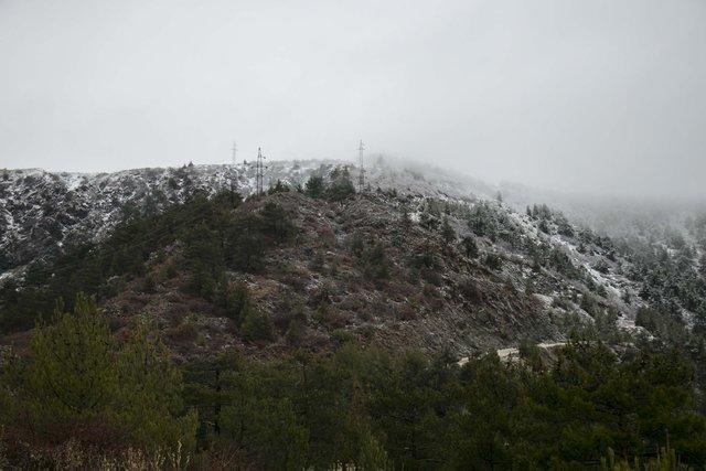 Amanos Dağları etekleri beyaza büründü