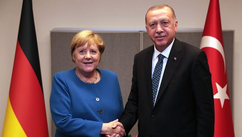 Merkel'in Ankara gündemi kalabalık
