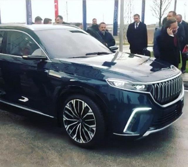 Türkiye'nin yerli otomobiline ünlü isimlerden yorum - Magazin haberleri