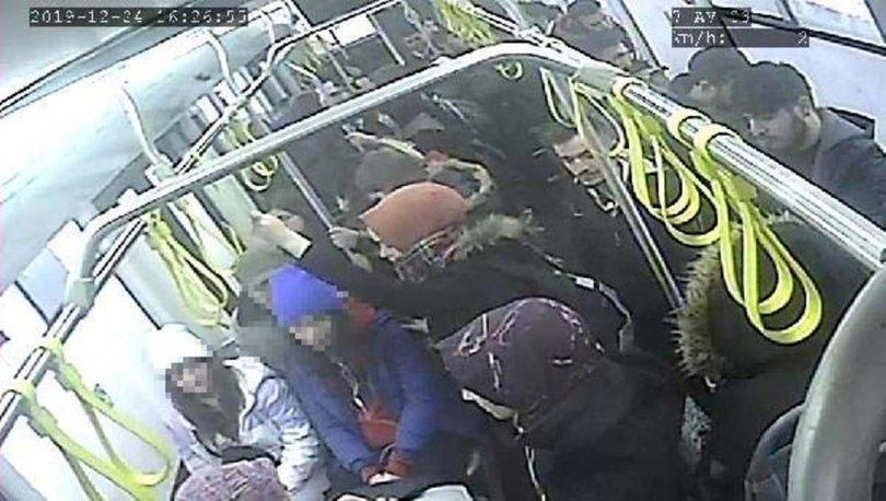 SON DAKİKA İĞRENÇ OLAY! Otobüste iki genç kıza taciz şüphelisine dayak!