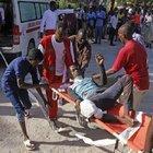 SOMALİ'DE DEHŞET GÜNÜ: İKİSİ TÜRK, 90 ÖLÜ