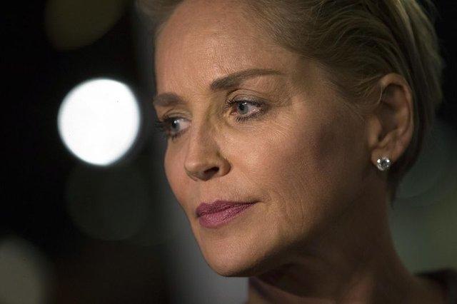 Sharon Stone çöpçatanlık sitesinde engellendi - Magazin haberleri