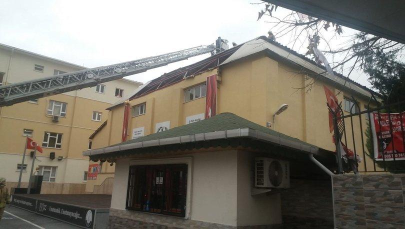 Fırtına okul çatısı