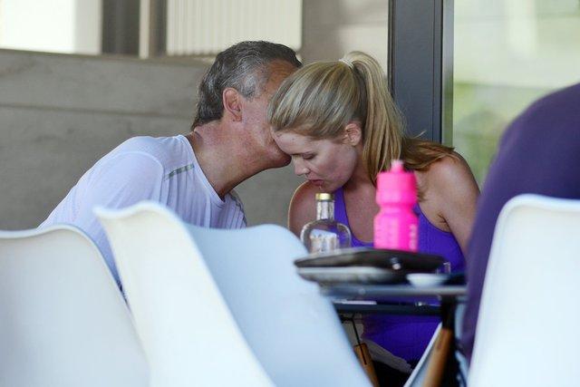 Kitty Spencer sevgilisi Michael Lewis ile dudak dudağa - Magazin haberleri