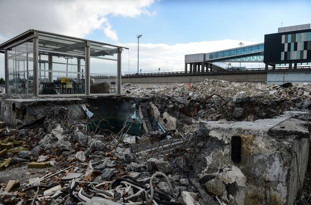 Atatürk Havalimanı'nda kargo yıkımı