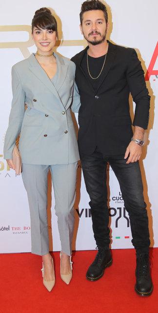 Ayaklı Gazete TV Yıldızları Ödülleri gecesine Serenay Sarıkaya-Çağla Şıkel damgası - Magazin haberleri