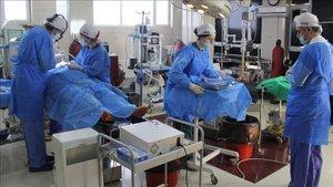 Türk doktorlardan 100 hastaya ameliyat