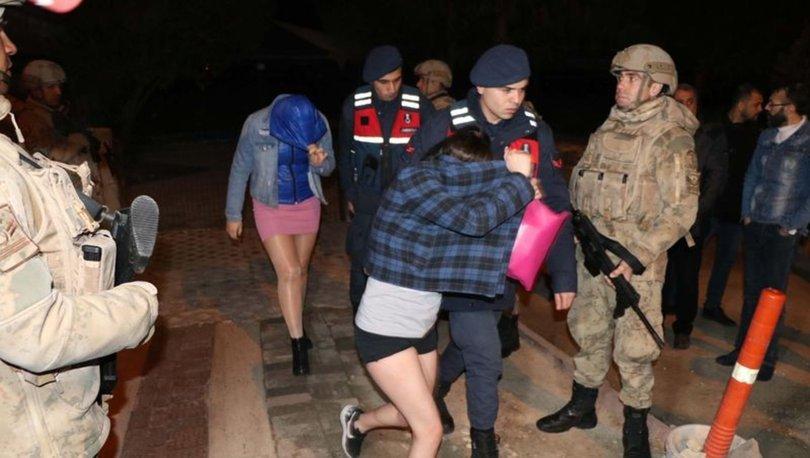 Denizli'de fuhuş çetelerine operasyon: 71 gözaltı
