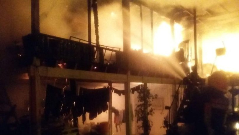 Bodrum'da elektrik kontağı, 3 saatte 4 evi küle çevirdi