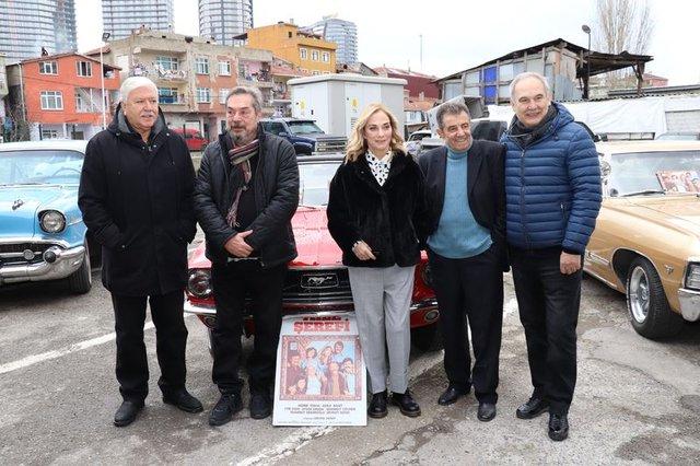 'Aile Şerefi' oyuncuları 44 yıl sonra bir araya geldi - mAGAZİN HABERLER