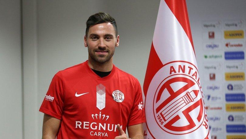 Antalyaspor'da Sinan Gümüş imzaladı