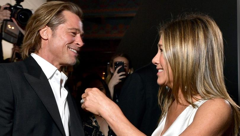 SAG Ödülleri: Jennifer Aniston ve eski eşi Brad Pitt sahne arkasında ödüllerini kutladı