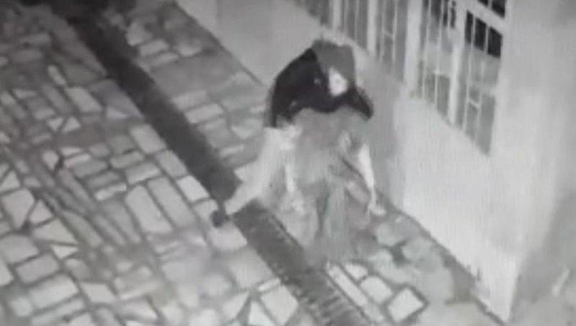 Manisa'da dehşet anları! Konuşmak için çağırdığı annesini hunharca bıçakladı