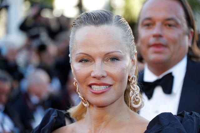 Pamela Anderson ile Jon Peters evlendi - Magazin haberleri