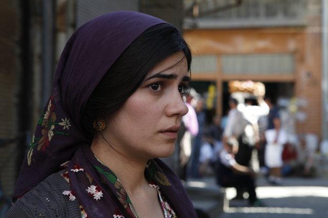 Zeynep Çamcı: Küçükken tek kaşlıydım - Magazin haberleri