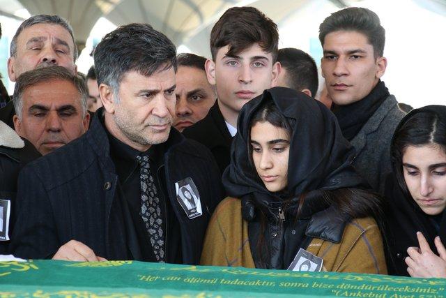 İzzet Yıldızhan: Hülya Avşar ile saatlerce ağladık - Magazin haberleri