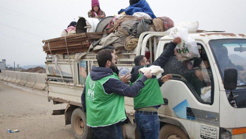 On binlerce kişi daha İdlib'den Türkiye sınırına göç etti!