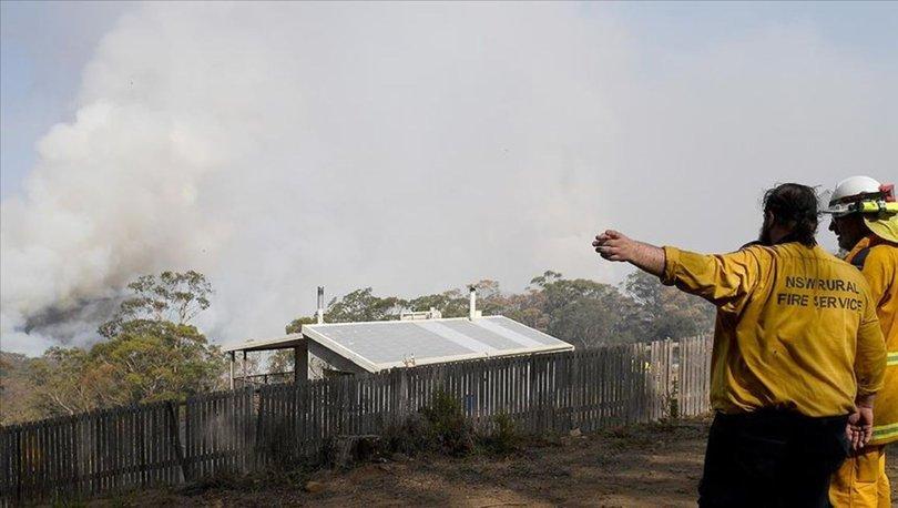 Avustralya'da yangınlar nedeniyle Canberra Havalimanı uçuşlara kapatıldı