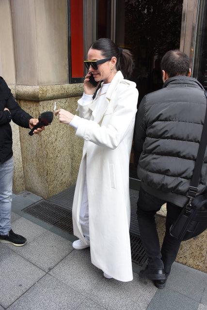 Yasemin Özilhan, beyazlar içinde - Magazin haberleri