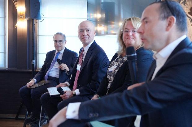 Koç Holding CEO'su Çakıroğlu Davos'ta