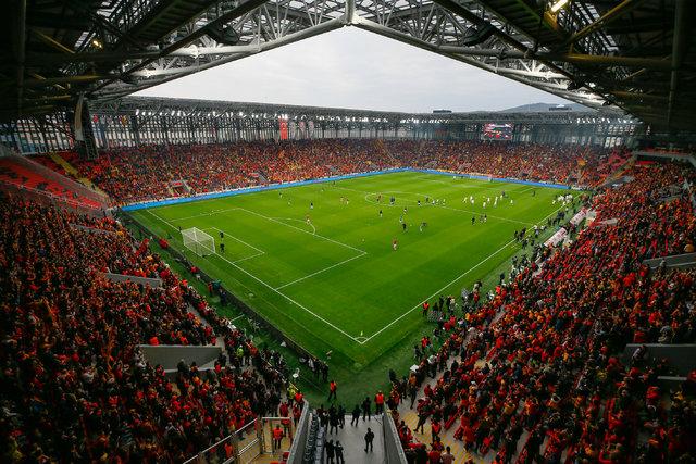 Göztepe evine döndü! Gürsel Aksel Stadı açıldı