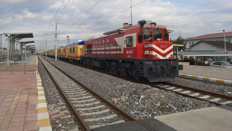 TCDD'nin deprem bölgesi için hazırladığı yardım treni yola çıkarıldı