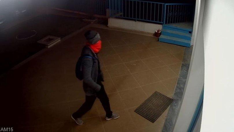 Polis, maskeli silahlı soyguncuyu gözlerinden tespit etti