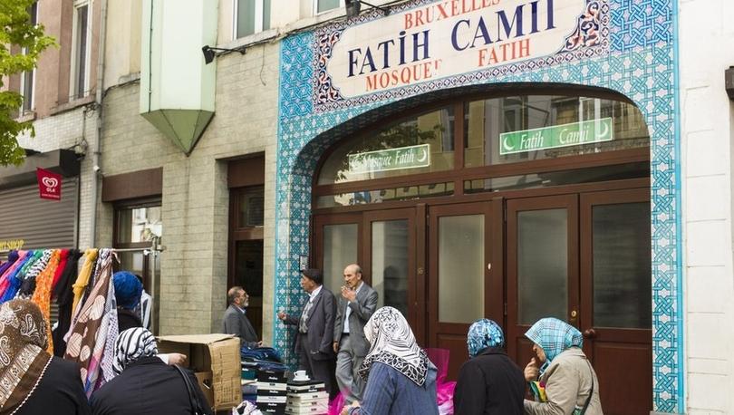 Belçika, 'yabancı etkilerden korumak için' imamları kendi eğitecek