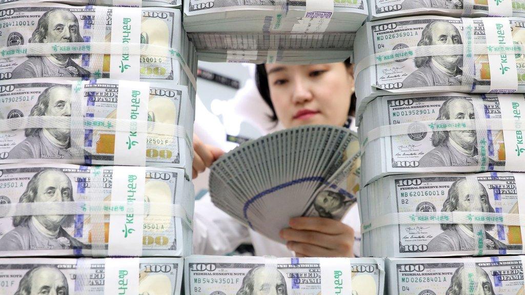 Dolar kritik seviyeyi zorluyor