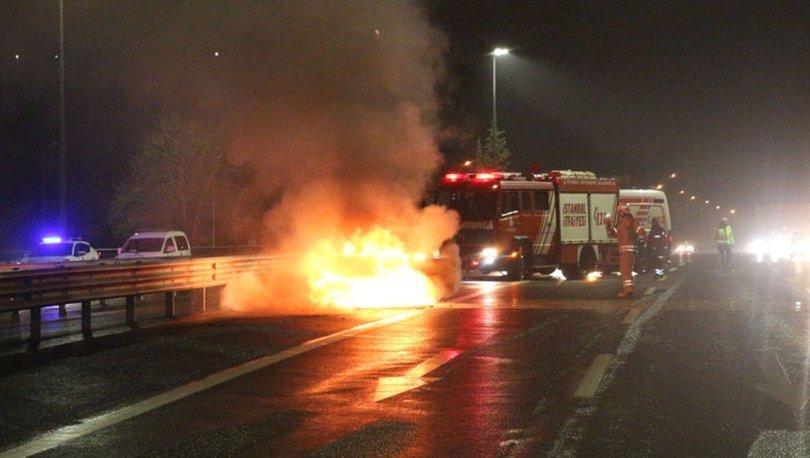 SON DAKİKA! FSM Köprüsü'nde alev alan otomobilden son anda indiler