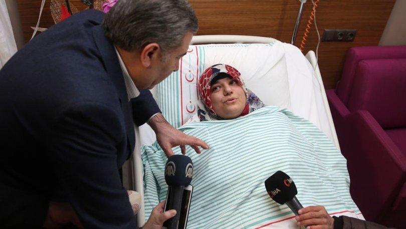 Sağlık Bakanı Fahrettin Koca, enkazdan çıkarılan Azize Çelik'i ziyaret etti