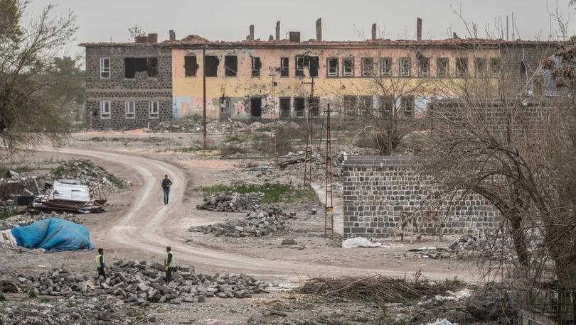Diyarbakır'daki mimar ve mühendis odaları 4 yıl sonra Sur'a girdi: 'Birçok tescilli yapı yok olmuş'