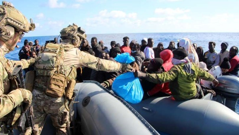 Akdeniz'de kurtarılan göçmenler Libya'ya teslim edildi
