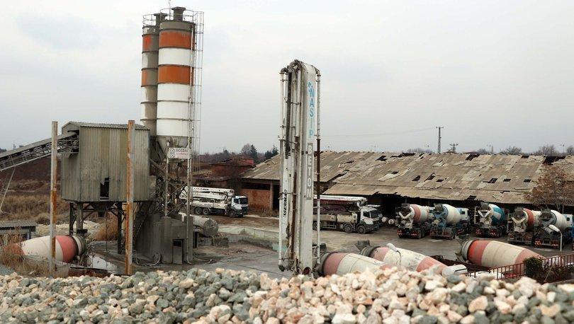 Elazığ Deprem bölgesinde inşaatlar durduruldu