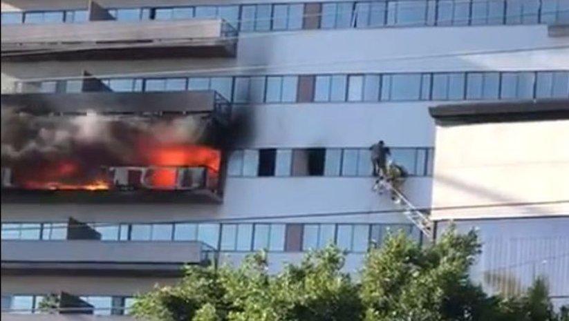 Los Angeles'da yangın! Helikopterle kurtarıldılar