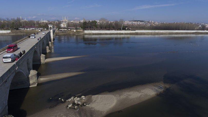 Su seviyesi düşünce tarihi köprünün ayakları gün yüzüne çıktı