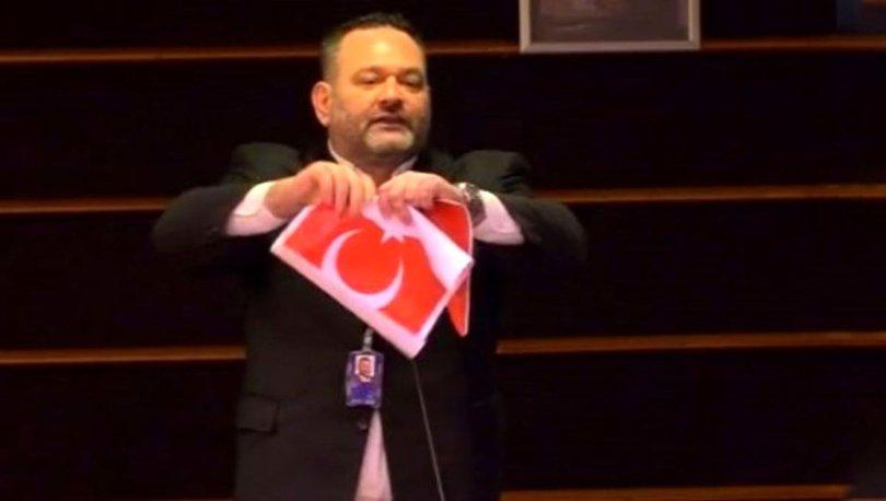Son dakika! Türk bayrağını yırtan Yunan vekil hakkında resen soruşturma - Haberler