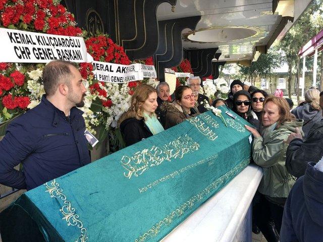 Yeşilcam'ın Ömercik'i Ömer Dönmez son yolculuğuna uğurlandı - Magazin haberleri